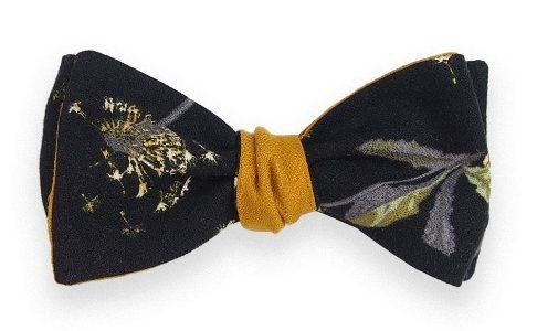 A nouer ou à la mesure un très élégant nœud papillon déniché chez La Reine & le Barbu