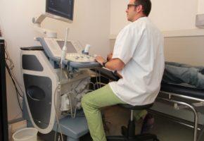 En cas de problèmes gastriques, un gastro-entérologue peut vous prescrire une radiographie abdominale